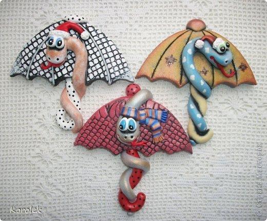 Мастер-класс, Поделка, изделие Лепка: Сувенирчики к новому году,змейки на зонтах. Тесто соленое Новый год. Фото 5