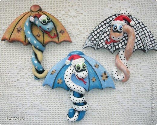 Мастер-класс, Поделка, изделие Лепка: Сувенирчики к новому году,змейки на зонтах. Тесто соленое Новый год. Фото 6