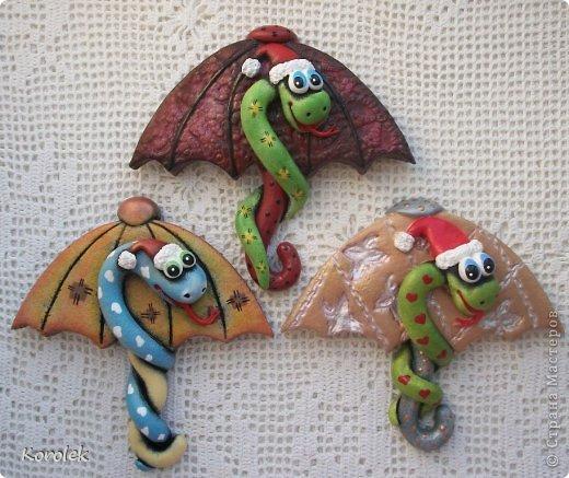 Мастер-класс, Поделка, изделие Лепка: Сувенирчики к новому году,змейки на зонтах. Тесто соленое Новый год. Фото 7