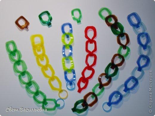 Мастер-класс Моделирование: Ёлочные цепи из пластика. Продолжаем украшать большую ёлку. Бутылки пластиковые Новый год. Фото 9