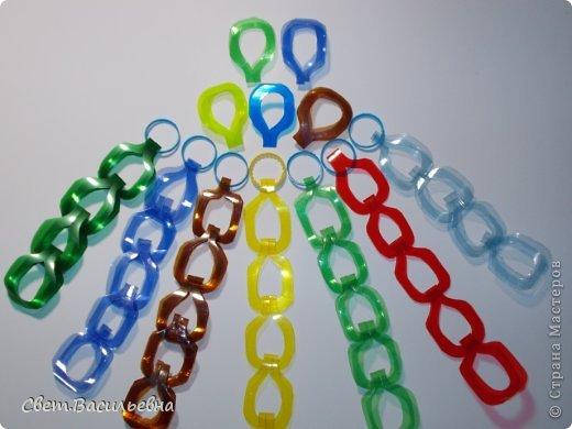 Мастер-класс Моделирование: Ёлочные цепи из пластика. Продолжаем украшать большую ёлку. Бутылки пластиковые Новый год. Фото 10