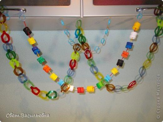 Мастер-класс Моделирование: Ёлочные цепи из пластика. Продолжаем украшать большую ёлку. Бутылки пластиковые Новый год. Фото 11