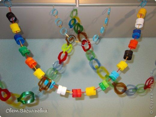 Мастер-класс Моделирование: Ёлочные цепи из пластика. Продолжаем украшать большую ёлку. Бутылки пластиковые Новый год. Фото 16