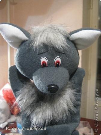 """Игрушка, Мастер-класс Шитьё: Продолжение игрушек-рукавичек """"Волк"""" + мини- МК Мех, Ткань. Фото 1"""