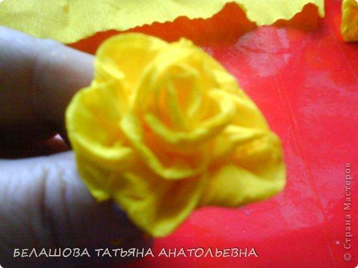 Мастер-класс Бумагопластика: Мастер класс:Как сделать оригинальный подарок. Бумага гофрированная, Бусинки 8 марта. Фото 9