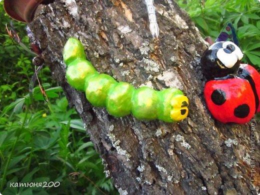 Садовые фигуры гусеница своими руками 8