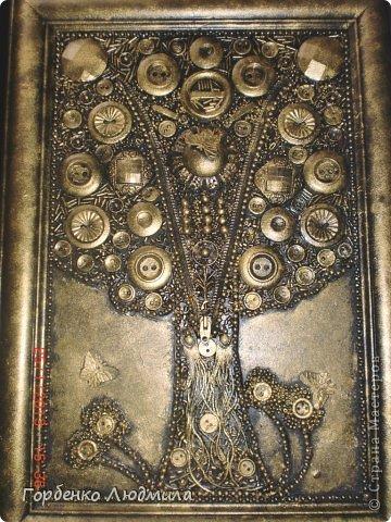 Картина, панно, рисунок Аппликация: Дерево из пуговиц и старой бижутерии Бисер, Клей, Пуговицы. Фото 1