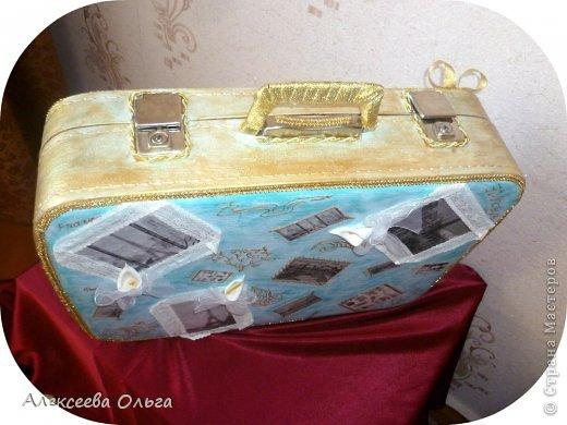 Декор предметов Декупаж: Чемодан Бусинки, Краска, Материал бросовый. Фото 2