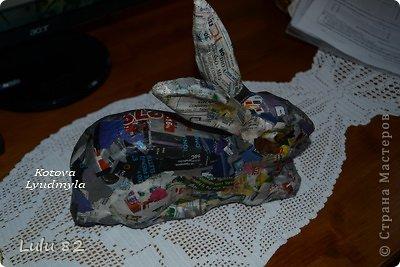 Скоро Пасха, во многих странах символом этого праздника является пасхальный заяц. Вот я и решила его сделать. . Фото 11