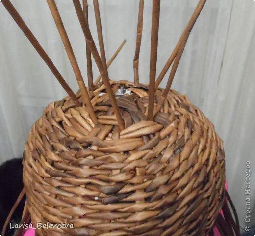 Мастер-класс Плетение: Кувшин руками чайника Бумага газетная, Трубочки бумажные. Фото 7