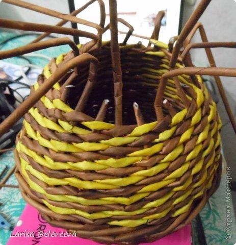 Мастер-класс Плетение: Кувшин руками чайника Бумага газетная, Трубочки бумажные. Фото 15