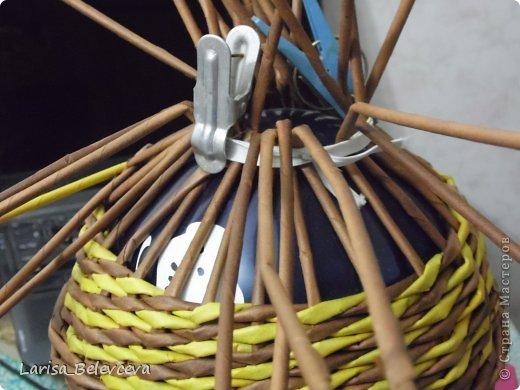 Мастер-класс Плетение: Кувшин руками чайника Бумага газетная, Трубочки бумажные. Фото 13