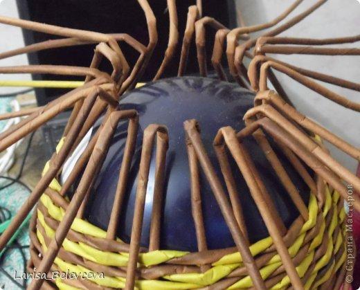 Мастер-класс Плетение: Кувшин руками чайника Бумага газетная, Трубочки бумажные. Фото 14