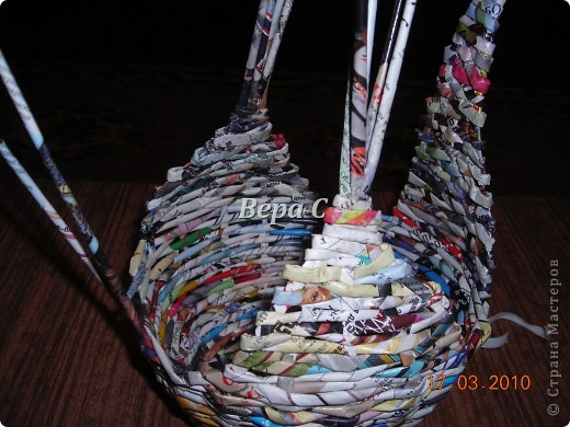 Мастер-класс, Плетение, : МК плетеной курочки к Пасхе под яйца Бумага журнальная Пасха, . Фото 11