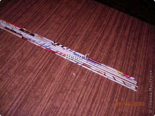 На просторах иностранного сайта увидела вот такое плетение.Решила испробовать и сразу же делиться с вами,мои плетеночники. Берем 6 палочек,можно больше(четное).. Фото 1
