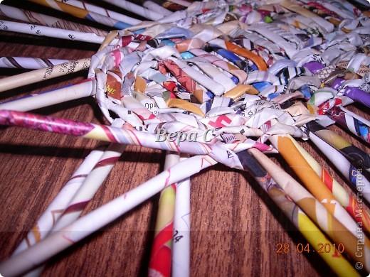 Мастер-класс,  Плетение, :  Опять  газета...  плетение овального донышка...  плетение двумя палочками ( 1 часть) Бумага журнальная Отдых, . Фото 8
