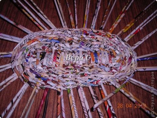 Мастер-класс,  Плетение, :  Опять  газета...  плетение овального донышка...  плетение двумя палочками ( 1 часть) Бумага журнальная Отдых, . Фото 9