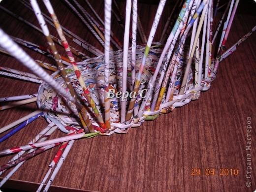 Мастер-класс,  Плетение, :  Опять  газета...  плетение овального донышка...  плетение двумя палочками ( 1 часть) Бумага журнальная Отдых, . Фото 10