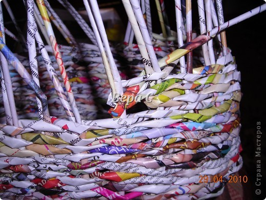 Мастер-класс,  Плетение, :  Опять  газета...  плетение овального донышка...  плетение двумя палочками ( 1 часть) Бумага журнальная Отдых, . Фото 13