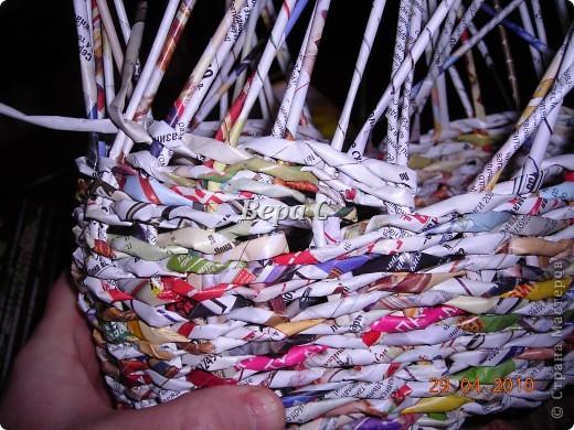 Мастер-класс,  Плетение, :  Опять  газета...  плетение овального донышка...  плетение двумя палочками ( 1 часть) Бумага журнальная Отдых, . Фото 15