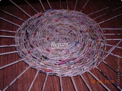 Многие пишут в комментариях, что плетеное донышко получается с дырками, не очень красивое. Вот сегодня я показываю, как сплести донышко плотным.. Фото 15