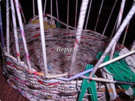 Многие пишут в комментариях, что плетеное донышко получается с дырками, не очень красивое. Вот сегодня я показываю, как сплести донышко плотным.. Фото 22