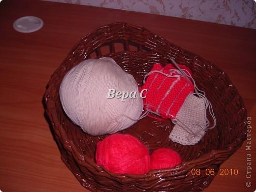 Многие пишут в комментариях, что плетеное донышко получается с дырками, не очень красивое. Вот сегодня я показываю, как сплести донышко плотным.. Фото 26