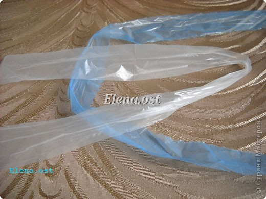 сумка из полиэтиленовых пакетов для мусора.