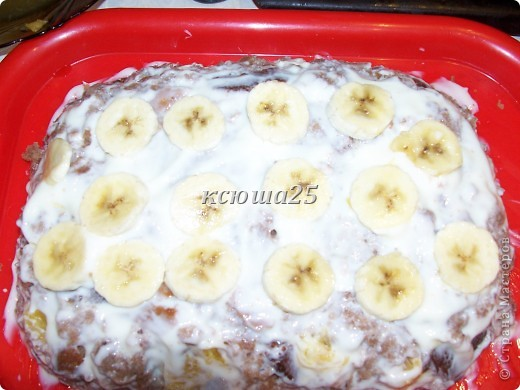 Девочки,решила поделиться рецептом тортика на скорую руку))) Ингредиенты: 1 яйцо,250 г сахара,250 г кефира .простокваши или ряженки, ваниль или какао по желанию,соль на кончике ножа,200г маргарина ,сода 1 ч ложка и мука. Крем 500г сметаны и 200г сметаны+ ваниль Глазурь : 2-3 ст л какао,2-3 ст л сахара,2ст л молока или воды и 50г масла слив.. Фото 14