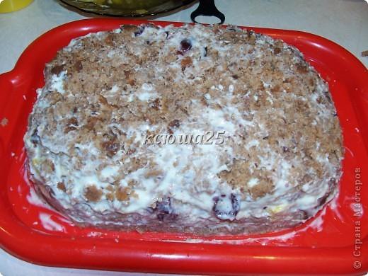 Девочки,решила поделиться рецептом тортика на скорую руку))) Ингредиенты: 1 яйцо,250 г сахара,250 г кефира .простокваши или ряженки, ваниль или какао по желанию,соль на кончике ножа,200г маргарина ,сода 1 ч ложка и мука. Крем 500г сметаны и 200г сметаны+ ваниль Глазурь : 2-3 ст л какао,2-3 ст л сахара,2ст л молока или воды и 50г масла слив.. Фото 15