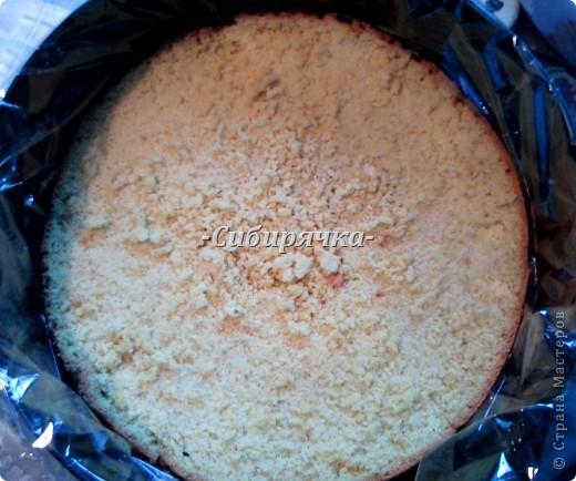 Доброго времени суток! Предлагаю Вам мастер-класс по приготовлению торта со сливочным кремом и фруктами. Для приготовления необходимо: Для теста: - яйцо (6 шт) - сахар (1 ст) - мука (1 ст) - цедра половинки апельсина (лимона) или ванильный сахар для аромата - разрыхлитель-сода (1/2 ч.л.) Для суфле: - желатин (15 г) - сливки (500 г) - сахар (1/2 ст) - фрукты (в моем случае консервированные персики и бананы) - ванильный сахар. Фото 14