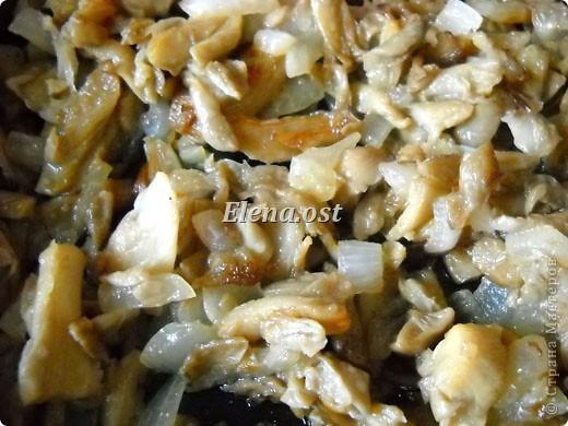 Очень вкусное блюдо. Мясной фарш с грибами и рисом, запеченные в кабачках. Запекать можно в разъемной форме для кекса. При копировании статьи, целиком или частично, пожалуйста, указывайте активную ссылку на источник! <a data-cke-saved-href=