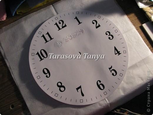 Мастер-класс Декупаж: (небольшой МК) Часы на кухню Клей, Салфетки, Скорлупа яичная Дебют. Фото 4