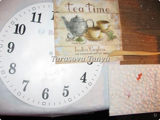 Мастер-класс Декупаж: (небольшой МК) Часы на кухню Клей, Салфетки, Скорлупа яичная Дебют. Фото 5