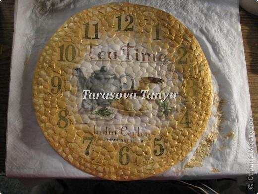 Мастер-класс Декупаж: (небольшой МК) Часы на кухню Клей, Салфетки, Скорлупа яичная Дебют. Фото 8