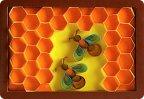 Пчёлки на сотах