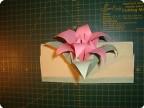Поделка, изделие Оригами модульное: конверт оригами-лилия Бумага.