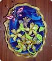 Великолепная поделка для работы с детьми.  Необходимый материал: корзинка из бисера, цветы и бабочка из бисера...