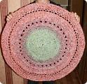 Интернет пестрит идеями создания ковриков из шпагата. .  День матери День рождения День семьи Новый год...