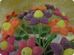 Как сделать цветы из гофрированного картона поэтапно