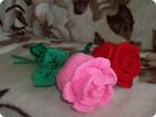 Розы очень красивые цветы. Давно хотела связать что-то в этом роде,я и нашла. Вам судить как получилось