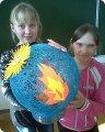 Поделка глобус из макарон 46