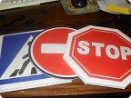 как сделать дорожные знаки своими руками случае