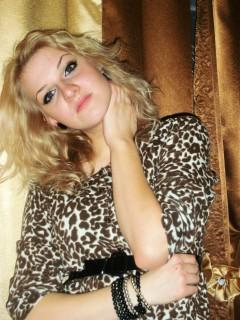 Tania-blond