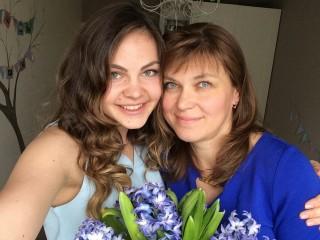 Маша и мама