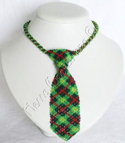 Схема плетения браслета из бисера, нечего сложного, но выразительно.