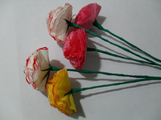 online flowers: colorful flowers made by tissue