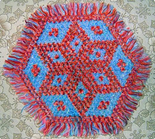 Хочу показать вам ещё несколько салфеток плетённых на раме. фото 1