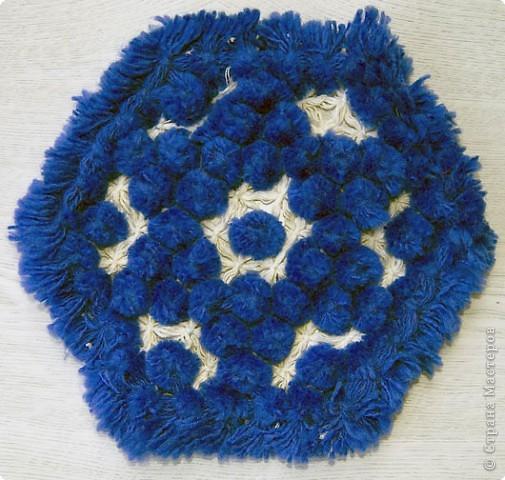 Хочу показать вам ещё несколько салфеток плетённых на раме. фото 4