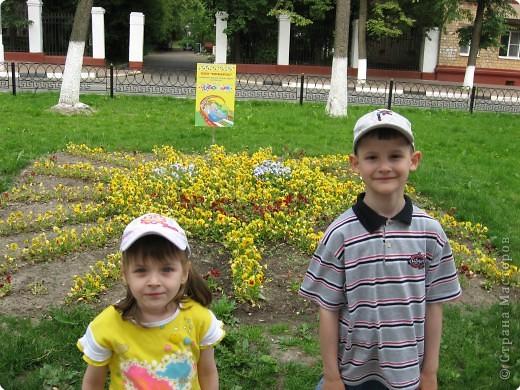"""В нашем городе уже третий год подряд проходит фестиваль-конкурс """" Городские цветы."""" Каждый раз мы с большим удовольствием созерцаем красоту, созданную природой и людьми. фото 6"""